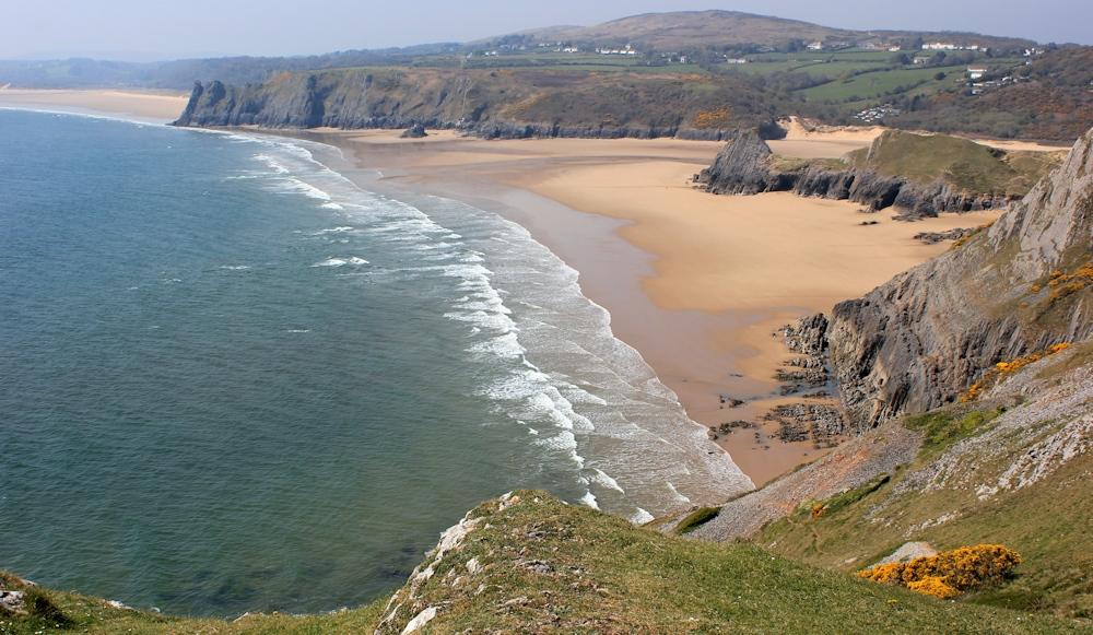 a02-three-cliffs-bay-pennard-gower-ruth-on-the-wales-coast-path