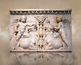84708-3-302-Roman-Sculpture-Cupids-Bulls