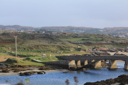 Bridge to Cruit Island