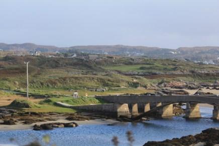 Bridge to Cruit Island