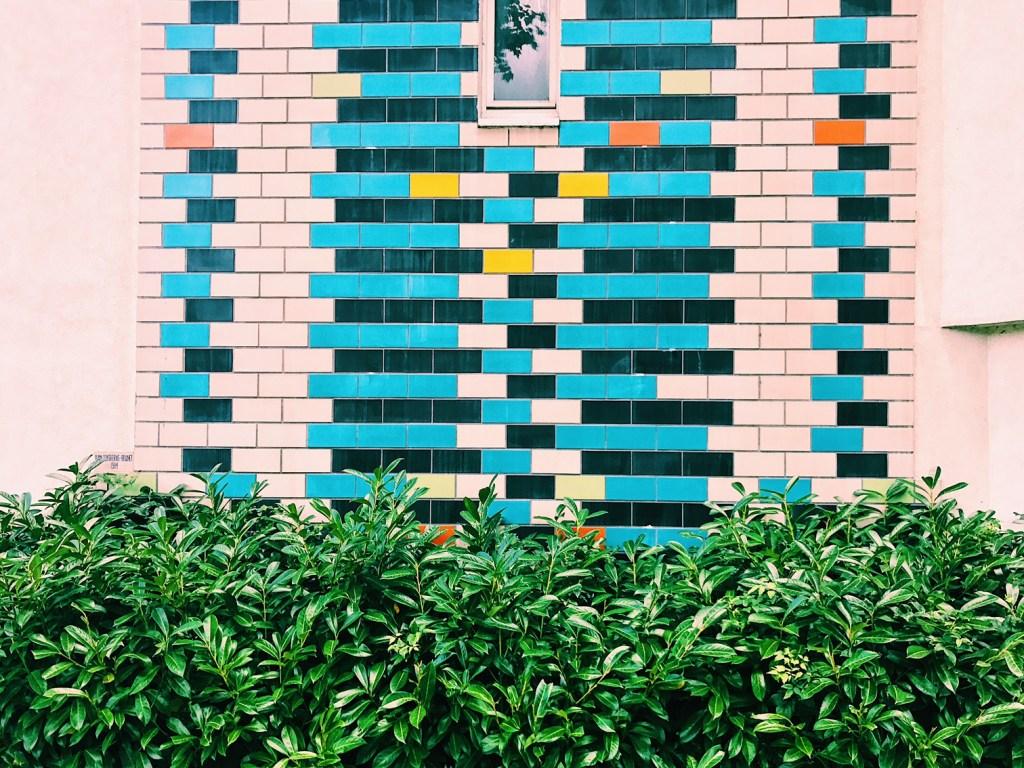 Emma-Jane-Palin-Noisy-le-grand-paris-colourful-tiles