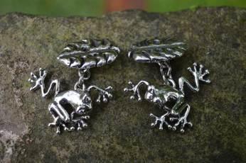 Frog-Cufflinks-2---Emma-Keating-Jewellery