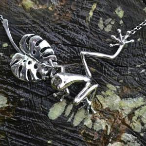 Frog-&-Leaf-large-1---Emma-Keating-Jewellery