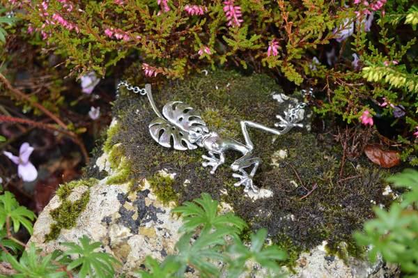 Frog-&-Leaf-large-5---Emma-Keating-Jewellery