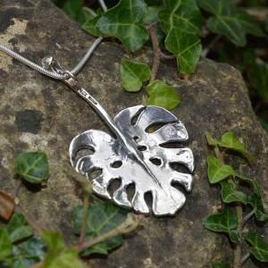 Monstera-Leaf-Pendant-8---Emma-Keating-Jewellery
