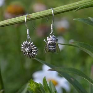 Bee-&-Daisy-Drops-1---Emma-Keating-Jewellery