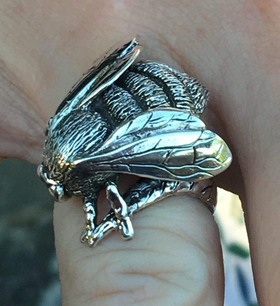 Queen Bumblebee ring - Emma Keating Jewellery