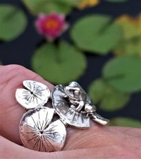 Frog & Lilypad Ring - Emma Keating Jewellery