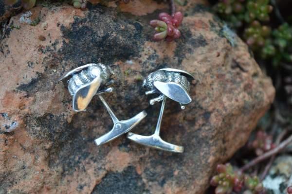 Bee whaletail cufflinks 2s - Emma Keating jewellery