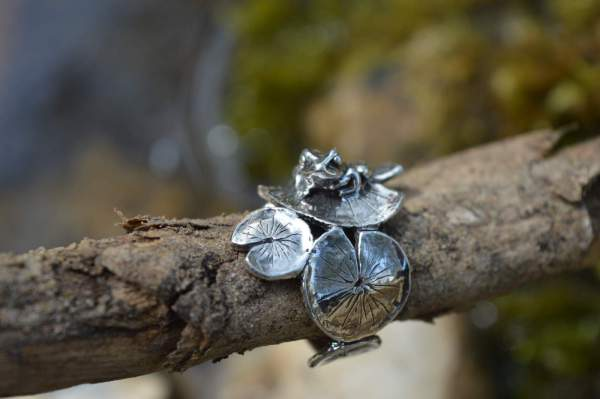 Frog&Lilypad Ring 6s - Emma Keating Jewellery