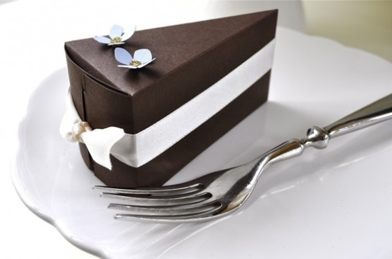 cake-favor-boxes