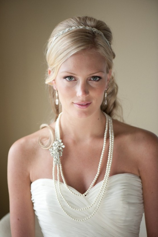 3-strand pearl necklace