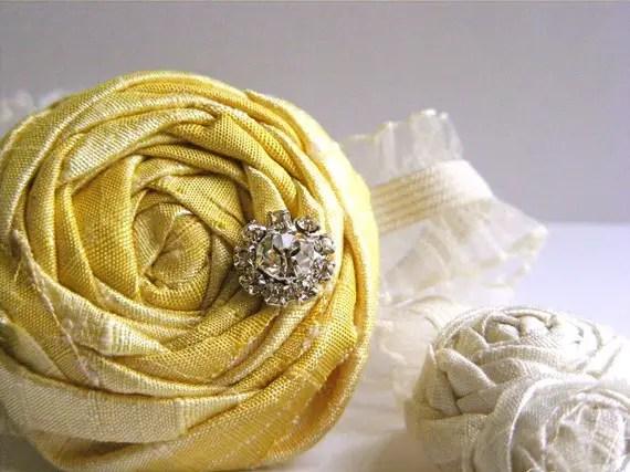 bridesmaid garters in yellow
