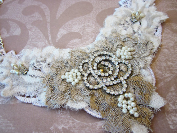how to wear lace at your wedding