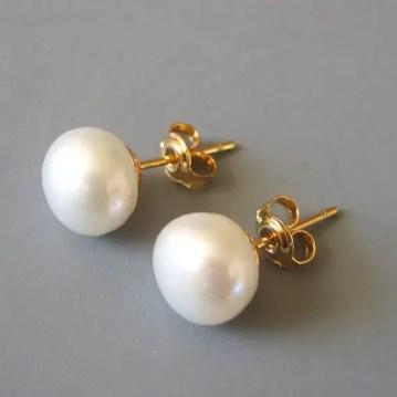 pearl stud earrings by LoveHonorUpcycle