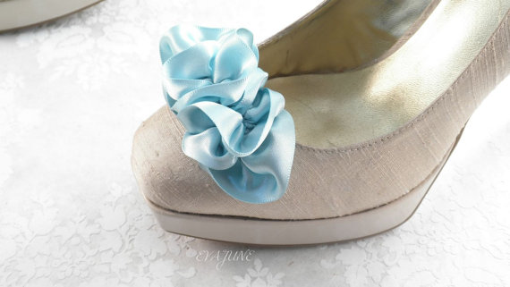 ruffle shoe clips in light blue