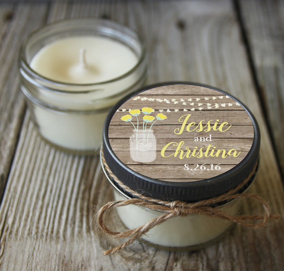 Faux wood label for candle favors by Veris Candles and Bath | via Wood Themed Wedding Ideas: http://emmalinebride.com/themes/wood-themed-wedding-ideas/