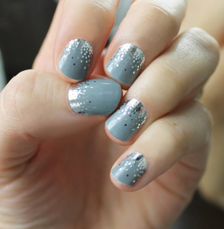 gray-sparkle-nail-wraps