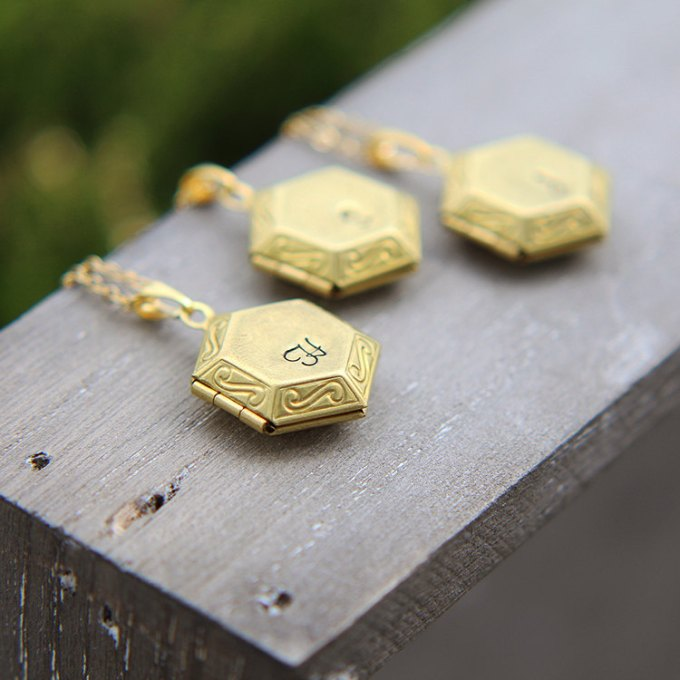 hexagon lockets large by JewelleryJKW