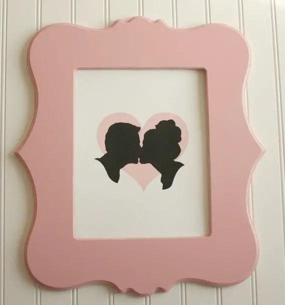 silhouettes kissing art print | silhouettes weddings | http://emmalinebride.com/decor/silhouettes-weddings/