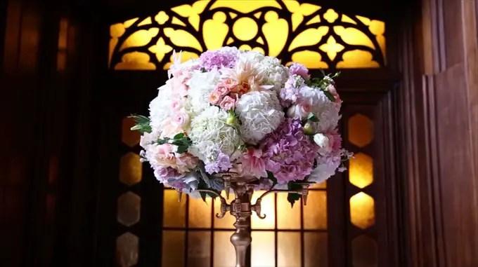 wedding flower centerpiece kohl mansion | A Luxurious Wedding at the Kohl Mansion (California Weddings) | http://www.emmalinebride.com/real-weddings/a-luxurious-wedding-at-the-kohl-mansion-real-wedding-video/ | Film (Wedding Video): Baby Blue Film