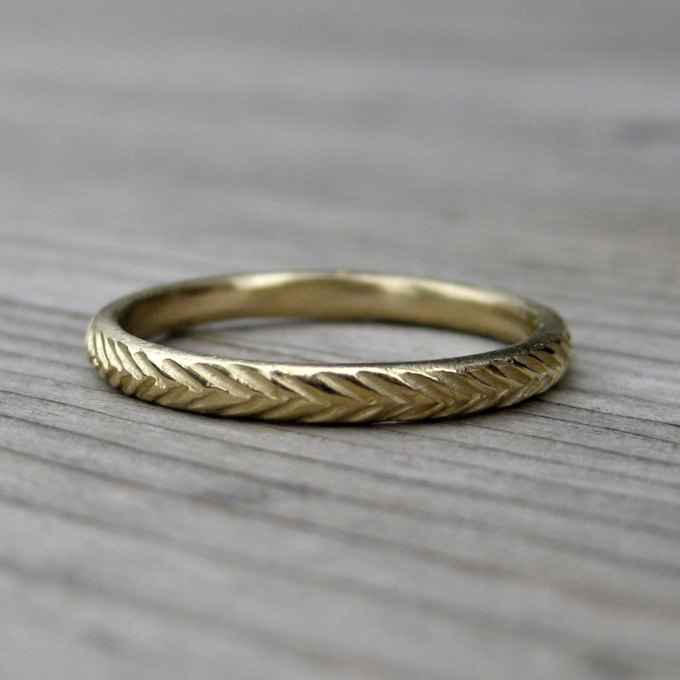 feather wedding band in gold