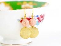 Bridesmaid earrings under $20: Gorgeous flower dangling ...