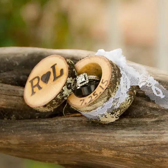 mini log ring box | 41 Beautiful Rustic Ring Pillows Etsy | http://emmalinebride.com/rustic/ring-pillows-etsy-weddings/