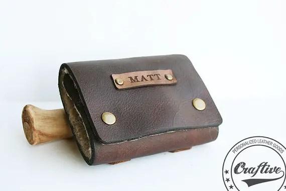 leather fishing flies wallet | via 40+ Best Leather Groomsmen Gifts for Weddings | http://emmalinebride.com/gifts/leather-groomsmen-gifts/