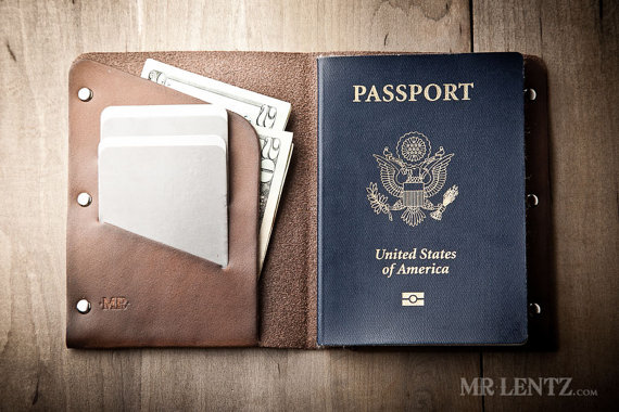 leather passport wallet | via 40+ Best Leather Groomsmen Gifts for Weddings | http://emmalinebride.com/gifts/leather-groomsmen-gifts/