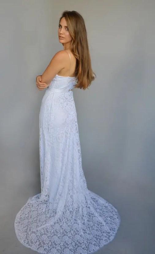beach-wedding-dress-by-barzelai-2