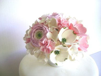 wedding-flower-cake-toppers-made-of-clay