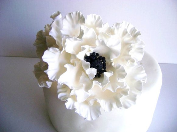 white-poppy-flower-cake-toppers