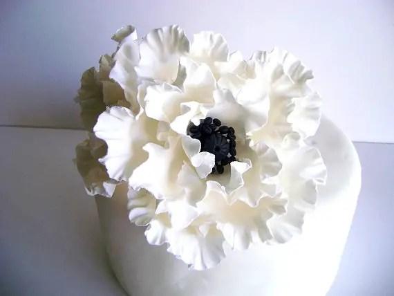 white-poppy-flower-cake-toppers
