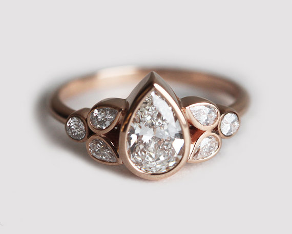 pear-engagement-ring-by-capucinne