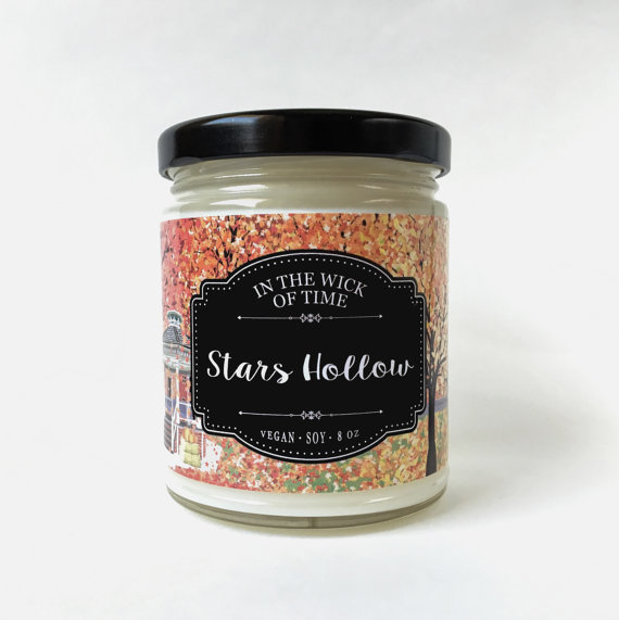 Stars Hollow candle via 50+ Best Gilmore Girls Gift Ideas http://emmalinebride.com/gifts/50-best-gilmore-girls-gift-ideas/