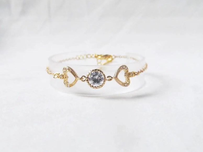 gold-heart-bracelet