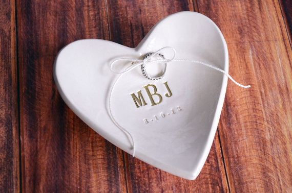 Engagement ring dishes   via Emmaline Bride   http://emmalinebride.com/engagement/beautiful-engagement-ring-dishes/