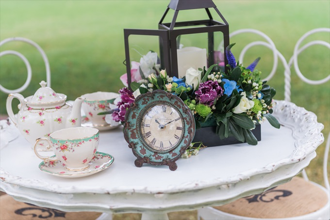 Alice in Wonderland Wedding Theme Ideas | photo by Emma+Josh | via http://emmalinebride.com/real-weddings/alice-in-wonderland-wedding-theme-ideas/