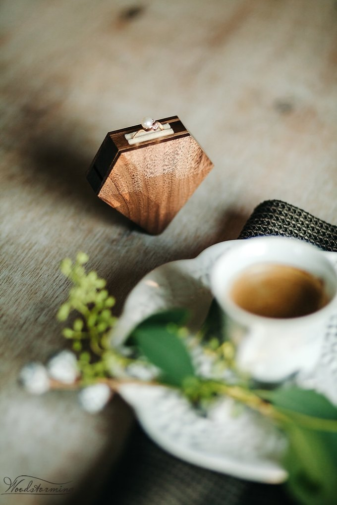 Diamond shaped ring box for engagement / proposal by Woodstorming | http://etsy.me/2koEaYN via http://emmalinebride.com/wedding/diamond-shaped-ring-box/