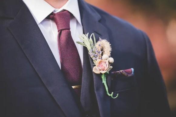 Harvest Wedding Ideas | photo by BG Productions | via http://emmalinebride.com/fall/harvest-wedding-ideas/