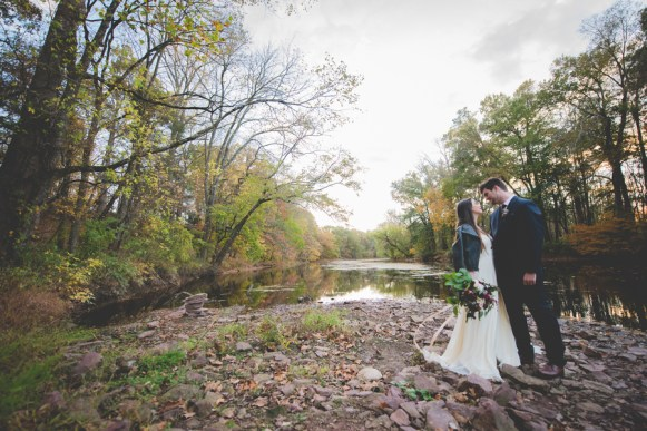 Harvest Wedding Ideas | photo by BG Productions | via http://emmalinebride.com/fall/harvest-wedding-ideas/