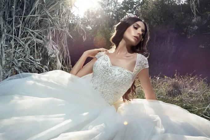 how to get a custom wedding dress made on budget