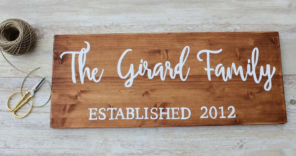 Top 10 Personalized Family Name Signs on Etsy