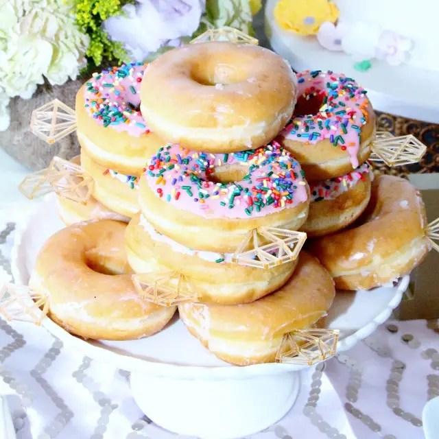20 Donut Wedding Ideas That Will Blow Your Mind | Emmaline Bride