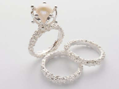10 unique pearl engagement rings that make a beautiful