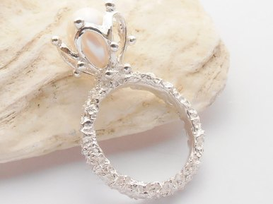 unique pearl engagement rings