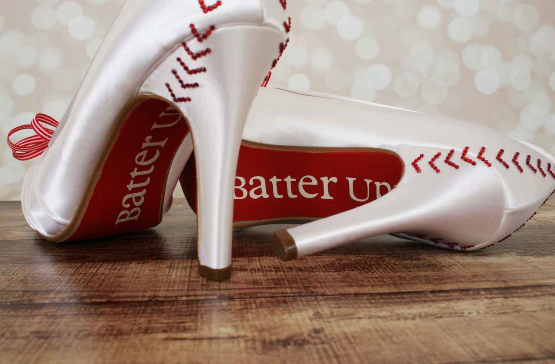 30 Grand Slam Baseball Wedding Ideas | Emmaline Bride