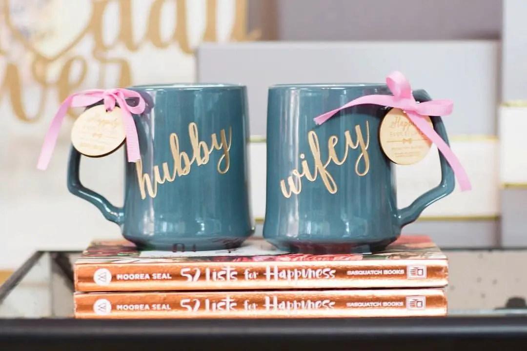 engraved hubby wifey mugs