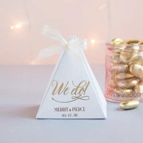 cheap wedding favors pyramid boxes